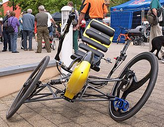 Tripendo recumbent tricycle, a tilting three-wheeler TripendoTilted.jpg