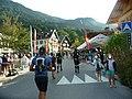 UTMB 2021- Attraversamento di Les Houches all'inizio della gara VMSDI.jpg