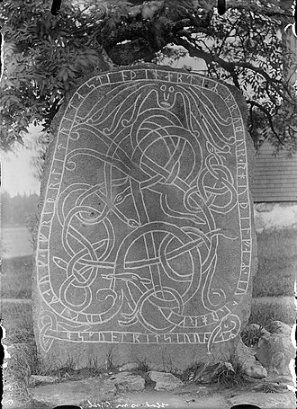 Uppland Runic Inscription 824 - U 824 as it looked around 1900.