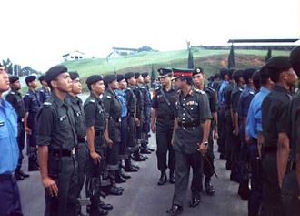 National Defence University of Malaysia - Lt Jen Dato' Ismail Hassan inspecting the parade