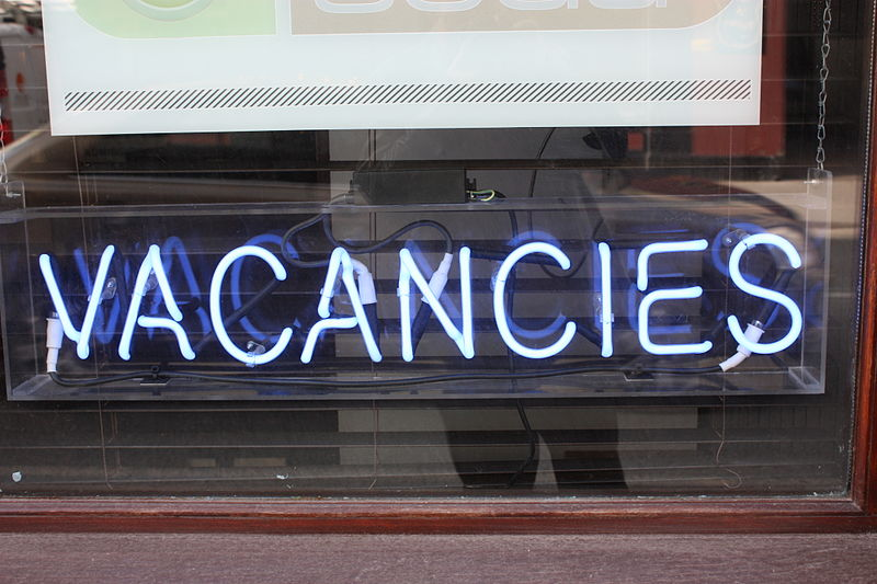 File:Vacancies, Tullamore, March 2011.JPG