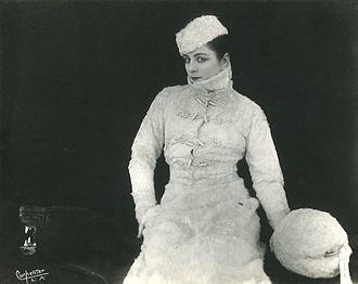 Valeska Suratt - Publicity photograph by Gerald Carpenter, c. 1916.