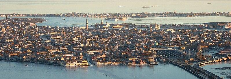 File:Venezia Aerial View.jpg