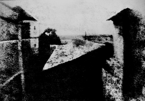 View from the Window at Le Gras, Joseph Nicéphore Niépce, uncompressed UMN source.png
