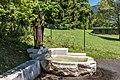 Villach Obere Fellach Thomas-Quelle mit Kupferblech-Statue hl Thomas 26062017 9901.jpg