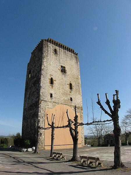 Tour carrée à Labastide-Villefranche (Pyrénées-Atlantiques) (Pyrénées).