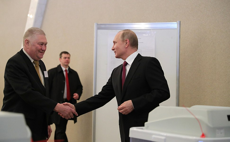 Vladimir Putin voted in the presidential election in Russia in 2018 07.jpg