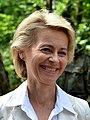 Vonderleyen 2014 bundesverteidigungsministerin (cropped).JPG