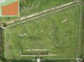 Vue aérienne de la batterie de Sermenaz à Neyron (carte OSM en haut à gauche).png