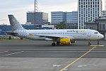 Vueling, EC-MBD, Airbus A320-214 (35841773986).jpg