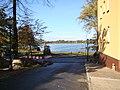 Wałcz, widok na jezioro Raduń z ulicy Harcerskiej - panoramio.jpg