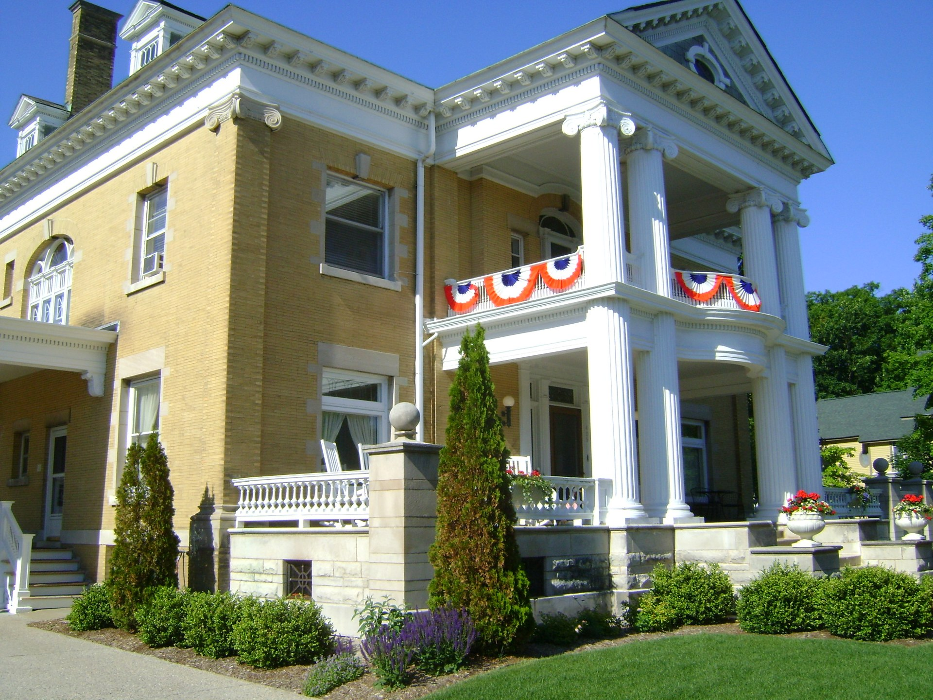Ludington House Bed And Breakfast Reviews