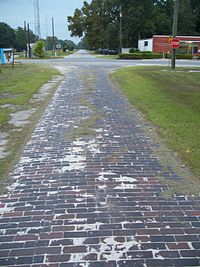 Wellborn FL brick road east01.jpg