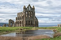 Whitby Abbey ruins, Yorkshire.jpg