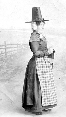 Woman in Welsh costume.jpg