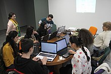 Workshop with Yerevan State College of Informatics students, Wikimedia Armenia 02.jpg