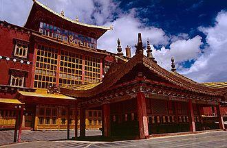 Shangri-La City - Gandan Sumtseling Monastery