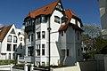 """Kinkankhoorn"", dubbele villa in cottagestijl, Petunialaan 4, Duinbergen (Knokke-Heist).JPG"