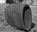 """""""Sodrica"""", cca. 30 l, z les. obroči in veho zgoraj. Stara posoda za vino. Vrh 1957 (cropped).jpg"""