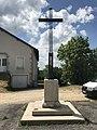 Étival (Jura) - croix de l'église.JPG