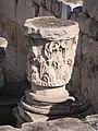 Κορινθιακού τύπου κιονόκρανο στη βιβλιοθήκη του Αδριανού 6532.jpg