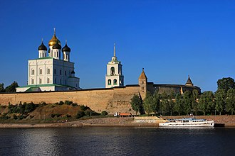 Pskov - View of the Pskov Kremlin from the Velikaya River in 2014