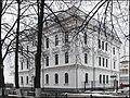 Здание больницы на набережной.jpg