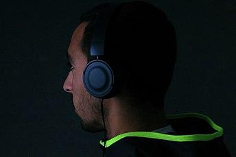 אוזניות לשמיעת מוזיקה