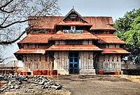 വടക്കുംനാഥക്ഷേത്രം-തെക്കേഗോപുരം.jpg
