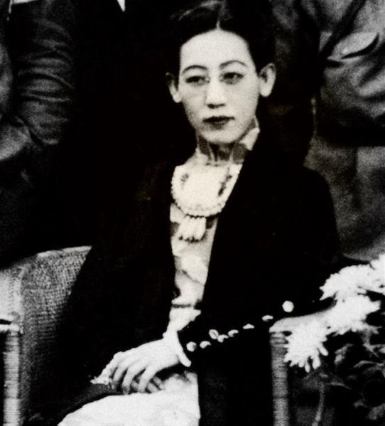 https://upload.wikimedia.org/wikipedia/commons/thumb/0/0f/川岛芳子.jpg/542px-川岛芳子.jpg