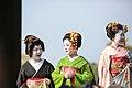 知恩院 舞妓撮影 Chion-in Maiko (11153249253).jpg
