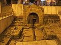 047 Font medieval de Foncalada (Oviedo), vista de davant, pl. Foncalada.jpg