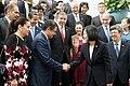 10.03 總統與「宏都拉斯共和國葉南德茲(Juan Orlando Hernández)總統握手 (29967885292).jpg