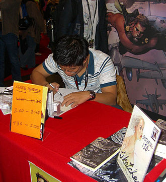 Leinil Francis Yu - Yu sketching at the New York Comic Con in Manhattan, October 16, 2011.