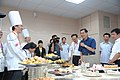 102年8月24日 馬英九總統訪視「85度C 美食達人股份有限公司」 (9583156110).jpg