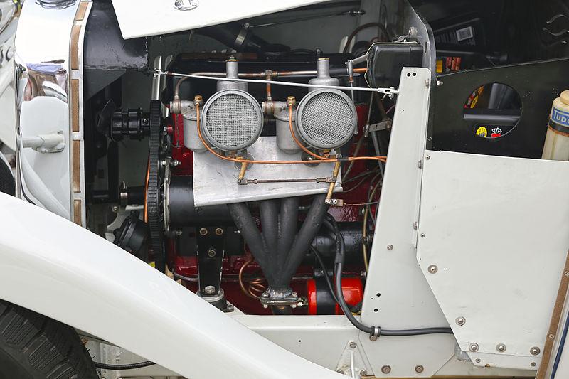 File:1947 Singer engine in a HRG 1100 Roadster.jpg