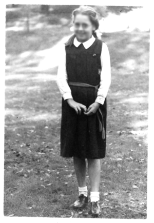 School uniforms in England - A typical 1950 girl's school uniform.