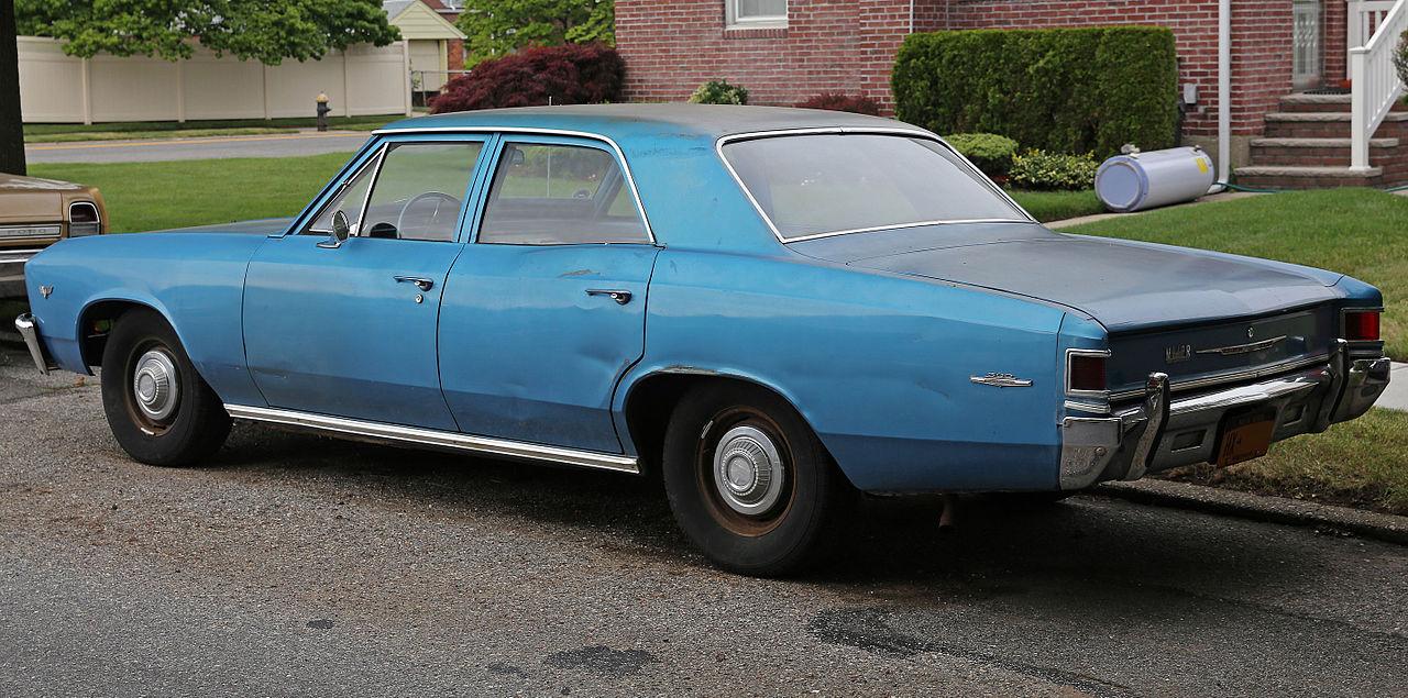File:1967 Chevrolet Chevelle 300 Deluxe V8 4-dr, rear left ...
