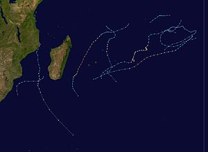 2000-2001 South-West Indian Ocean cyclone season summary.jpg