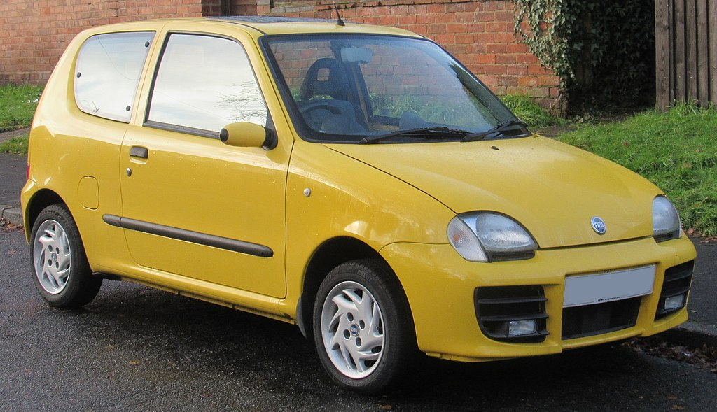1024px-2002_Fiat_Seicento_Sporting_1.1_Front.jpg