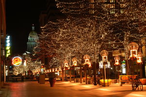 English: 16th Street Mall in downtown Denver, ...