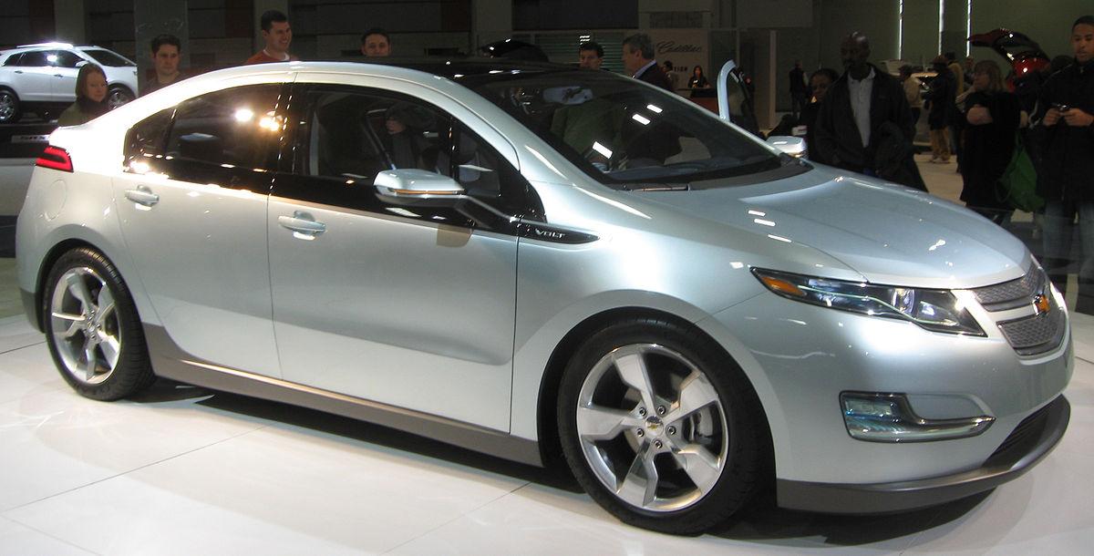 1200px-2011_Chevrolet_Volt_--_2010_DC.jp