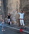 2014 Praga, uliczny artysta 02.jpg
