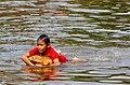 20171129 Chłopiec płynie na kanistrze Kampong Phlouk 6135 DxO.jpg