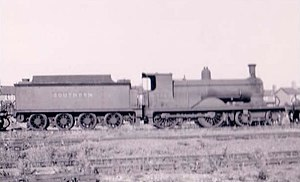 "Track pan - LSWR K10 class locomotive with ""water cart"" tender"