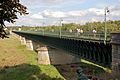 A 2007 view of the structure of Briare pont-canal.jpg