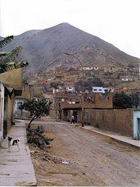 A street in Comas (Lima).jpg