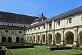Abbaye Fontevraud Cloître R06.jpg