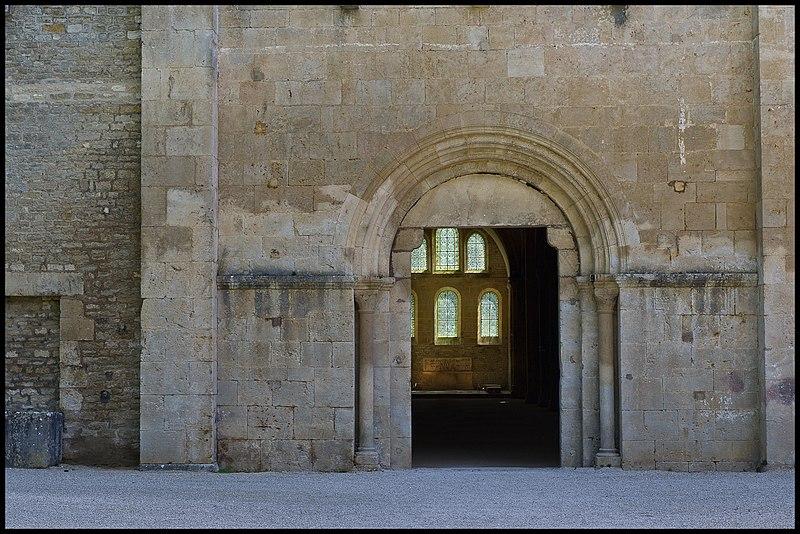 Abbaye de Fontenay 1.jpg