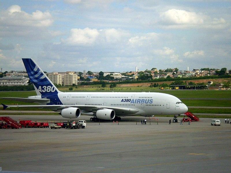 Ficheiro:AeroportoGuarulhos A380 Interno.jpg